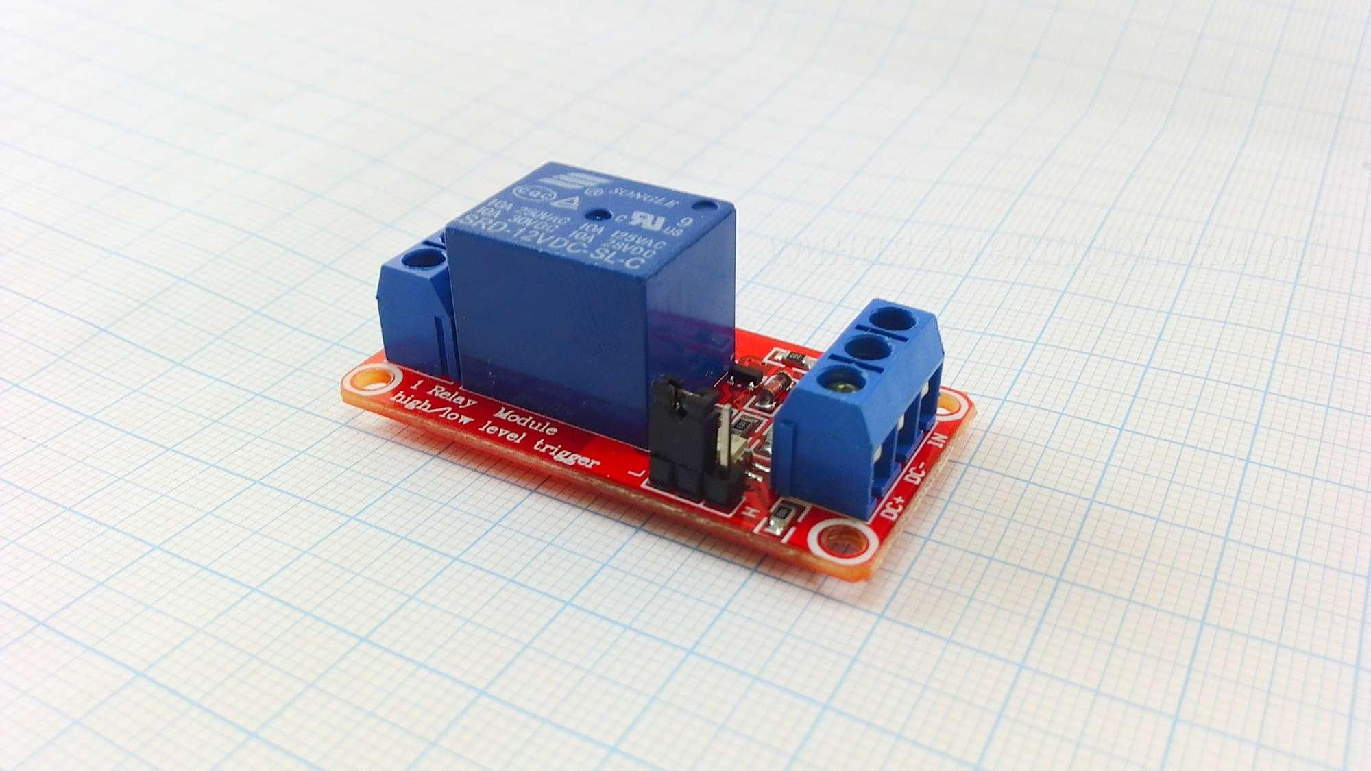 Модуль реле 12V с оптопарой и уровнем логики HL LL - вид спереди