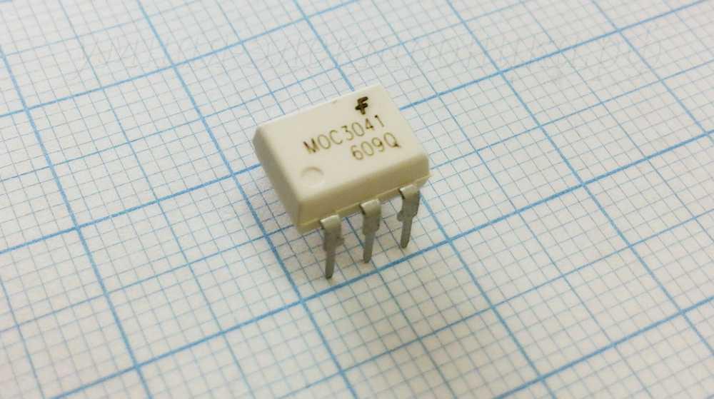 Оптопара MOC3041 400В DIP-6 с симисторным выходом