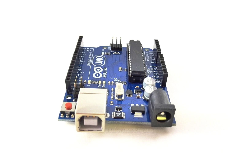 Arduino Uno R3 с кабелем (вид спереди)