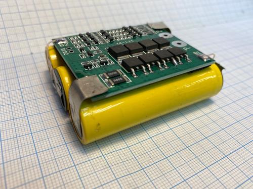 Аккумулятор литиевый Li-ion для шуруповерта (12В, 2Ач, 25А)